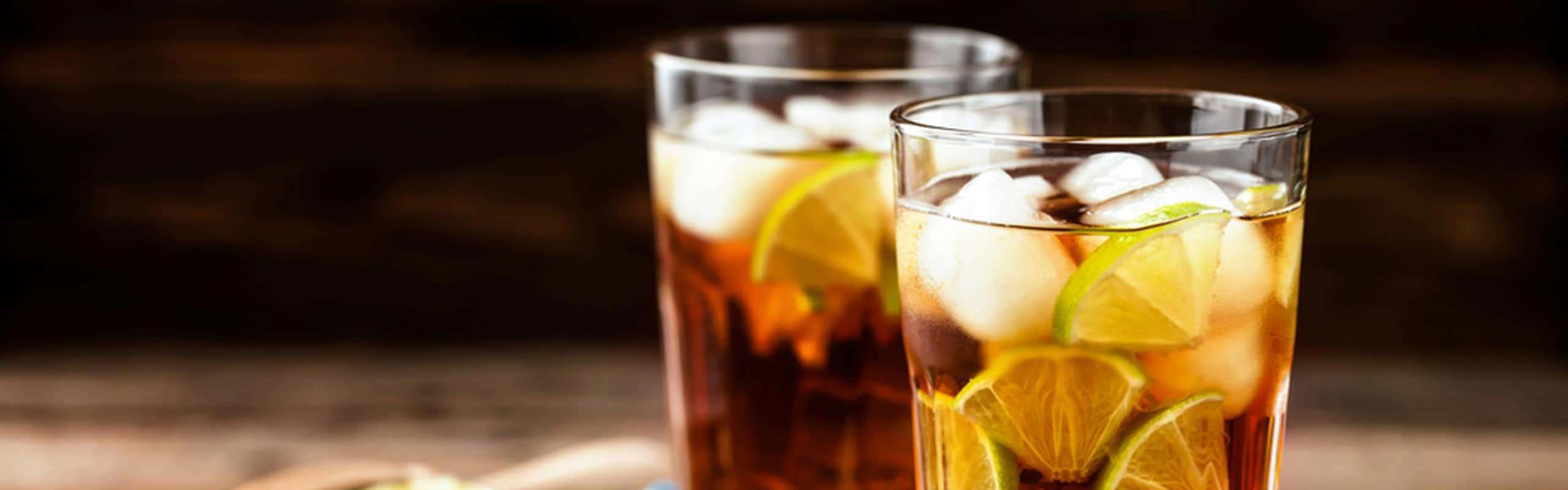 Descubre los long drinks y su importancia en la coctelería
